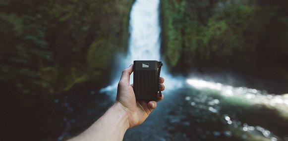 Cascade powerbank 7800mAh waterfall photo