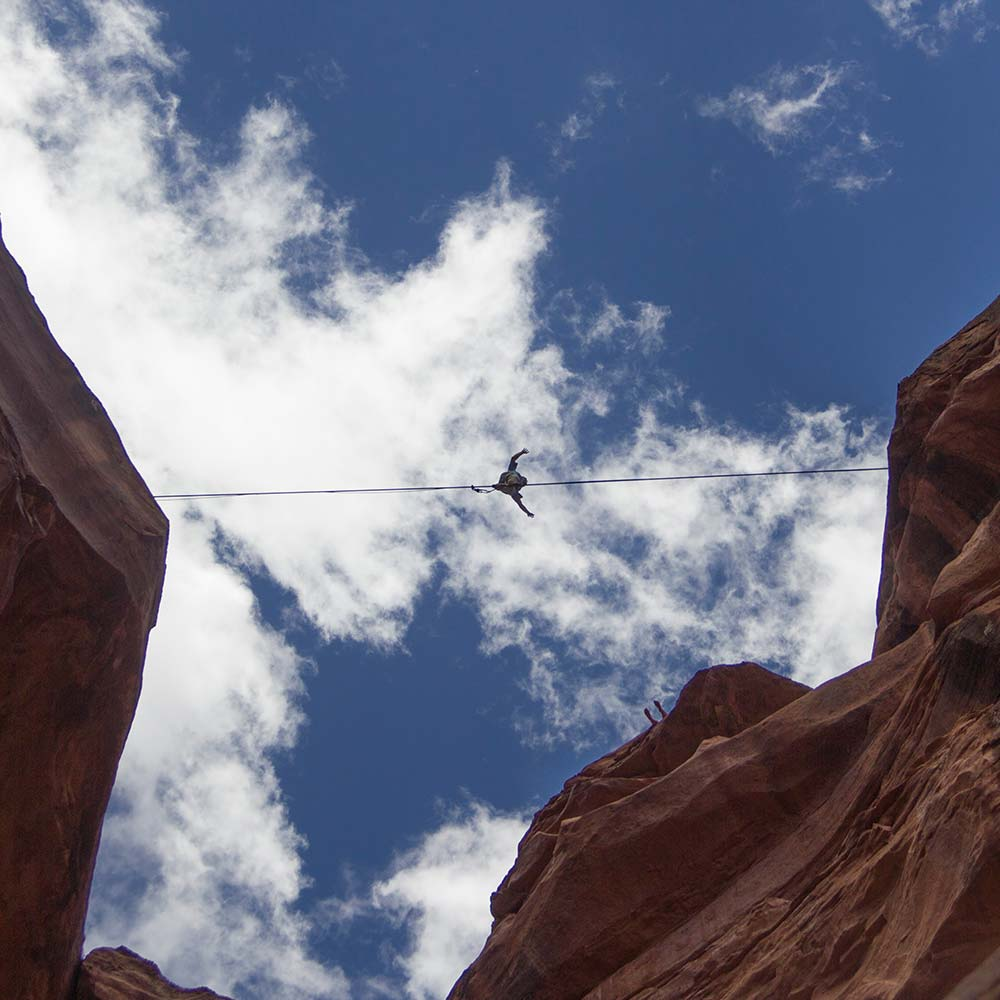 Ian Burson photography canyon slack-lining