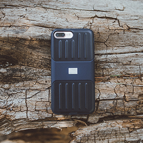 Lander Moab case for iPhone 7/8 Plus on wood